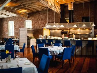 Whitehouse-Crawford Restaurant