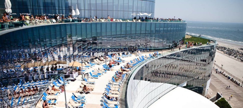The 8 most epic pools in Atlantic City
