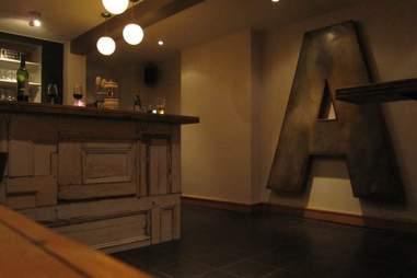 Le A Bar