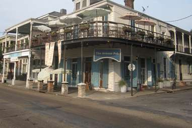 the avenue pub