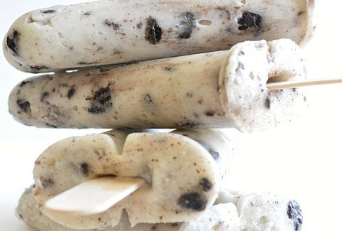 Cookies and cream pudding pops