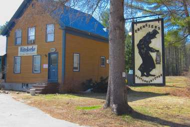 ebeneezer's pub