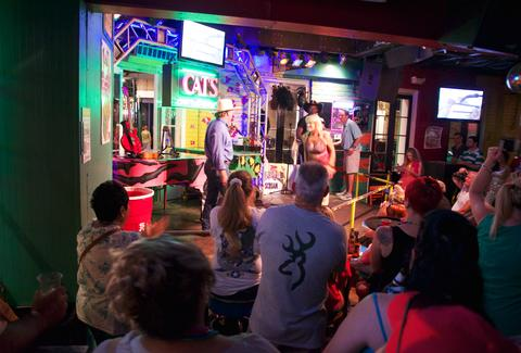 Best Bars On Bourbon Street Ranking And Review Thrillist