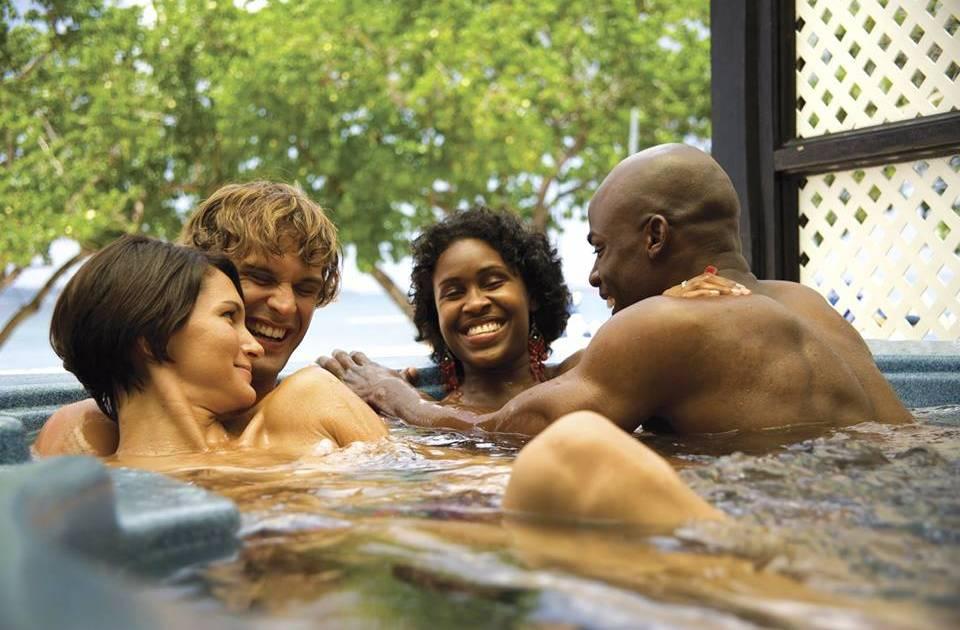 Vacations single sex men for 9 International
