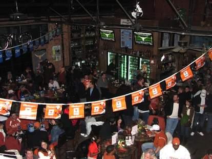 Lucky's Pub HOU