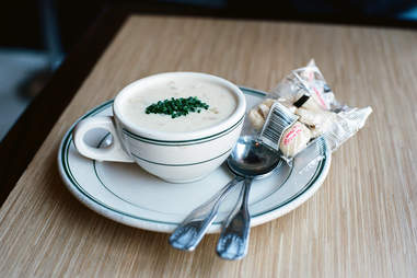 massachusetts new england clam chowder