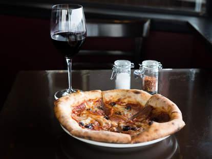 pizza, Phoenecia, Seattle pizza