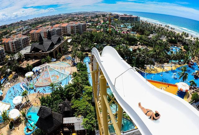 10 of the world\'s wildest water parks