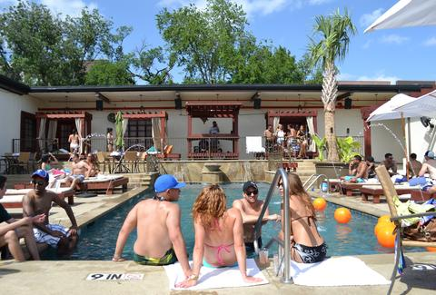 Best Pools Dallas - Thrillist