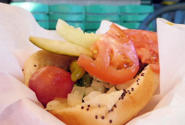 Chicago\'s 25 best hot dog spots