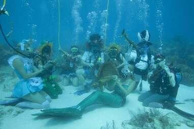 underwater musicians