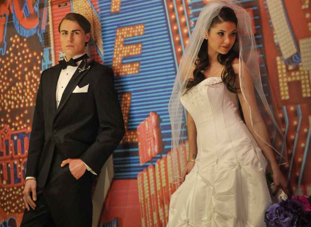 Weird Vegas Weddings Vegas Weddings Thrillist