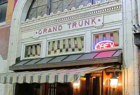 Foran's Grand Trunk Pub People Mover Bar Crawl DET