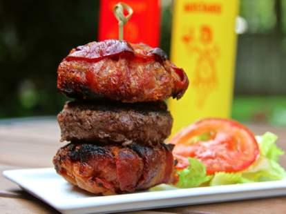 Bacon bun burger