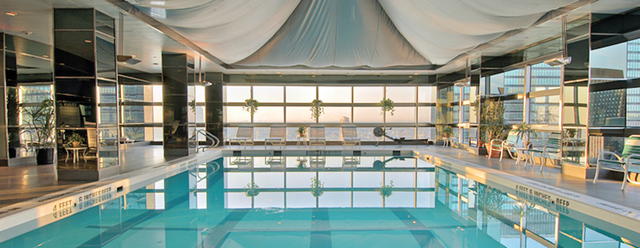 Sneak into nyc rooftop hotel pools - Hotel new york swimming pool roof ...