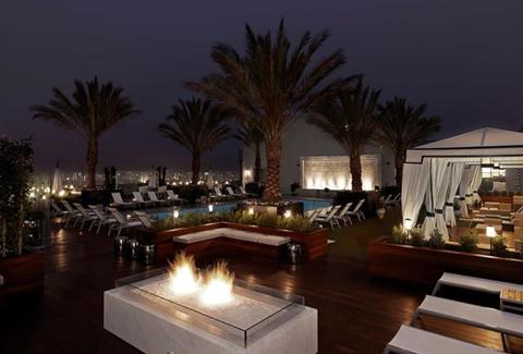 Brit Bar Lounge at Rooftop West LA