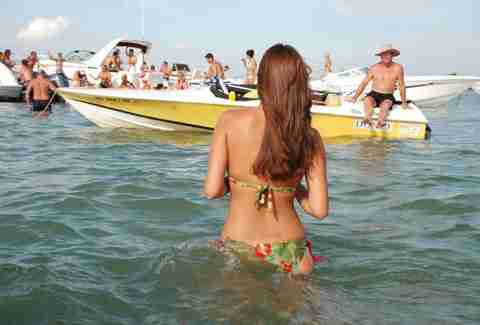 Cars For Sale Austin Tx >> America's Best Lakes for Summer Vacation - Party Lakes in ...