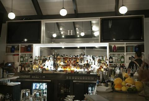 The Harbor Raw Bar & Lounge Hamptons