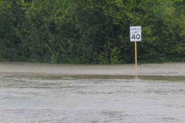 Flood 99 Problems with HOU