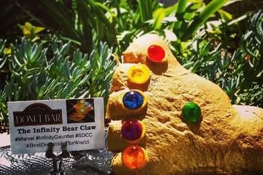Donut Bar Infinity Bear Claw
