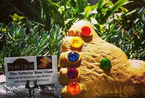 Donut Bar Infinity Bear Claw