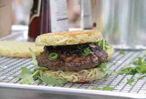 Ramen burger Goldbely