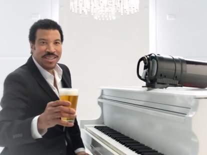 Lionel Richie Tap King commercial