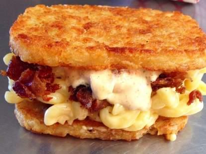 Mac 'n Hash sandwich