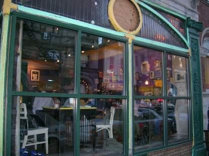 Cafe Jumping Bean Chi