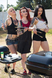girls with tongs