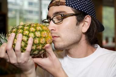 fruit masseuse