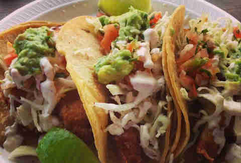 Local experts surfers rank best fish tacos in san diego for Good fish tacos near me