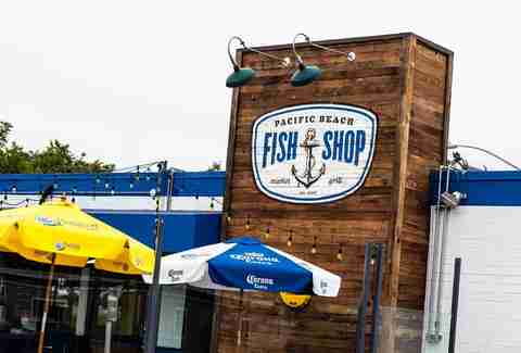 Local experts surfers rank best fish tacos in san diego for Fish store san francisco