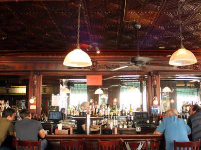 Landmark Tavern, New York Irish Pub
