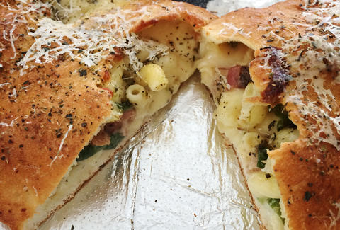 Mac 'n cheese calzone