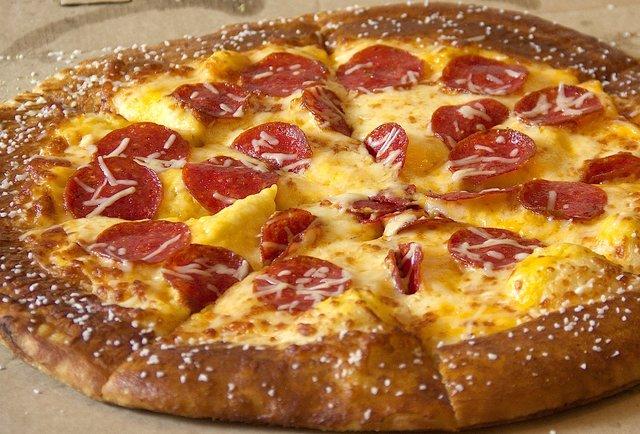 Little Caesar S Pretzel Crust Pizza Taste Test