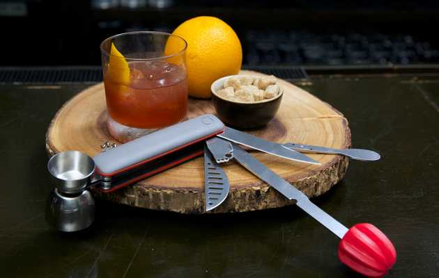Here's how to bartend like MacGyver, which is 100% awesome