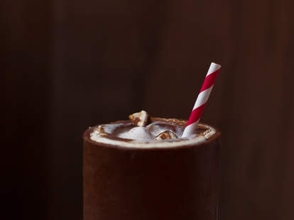 Snickers milkshake cup — Thrillist Recipes