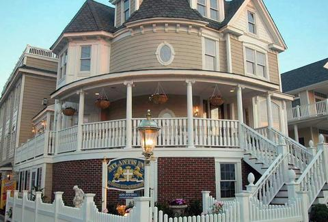 Atlantic Inn Luxury Bed and Breakfast