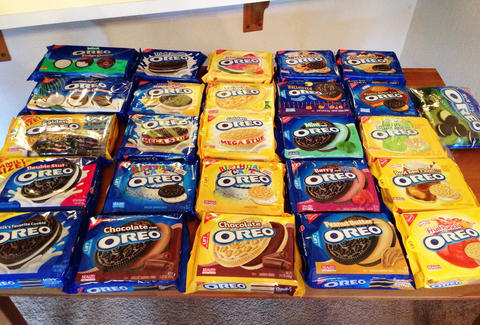 Table of Oreos