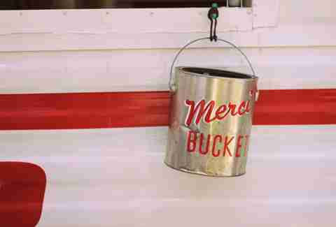 Merci bucket