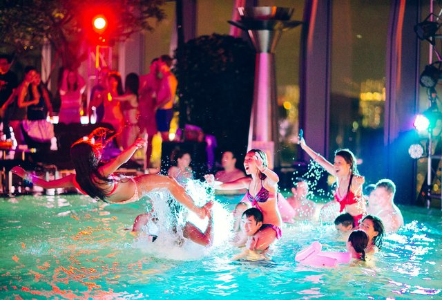 World S Best Pool Parties Miami St Tropez And Las