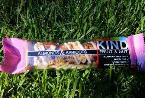 almonds and apricots in yogurt kind bar