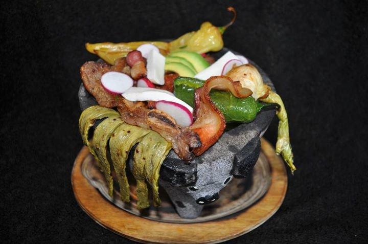 Sample bowl at El Molcajete.