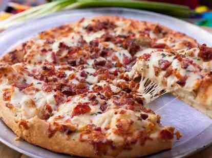 wick's pizza parlor louisville thrillist pie