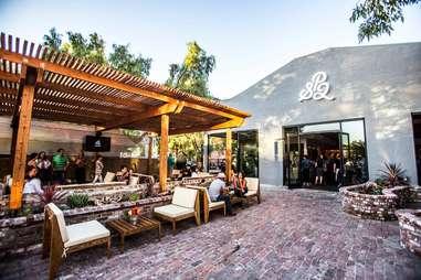 sp2-communal-bar-&-restaurant