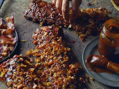 tgi fridays bacon-crusted ribs