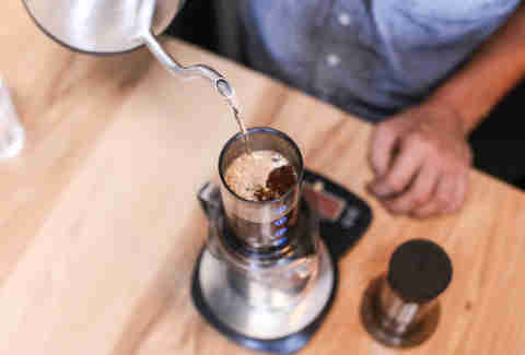 coffee brewing in aeropress