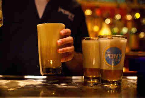 Best Bars In Manhattan Nyc Neighborhoods Thrillist