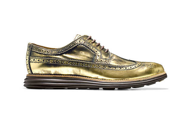 These metallic shoes are fit for royalty